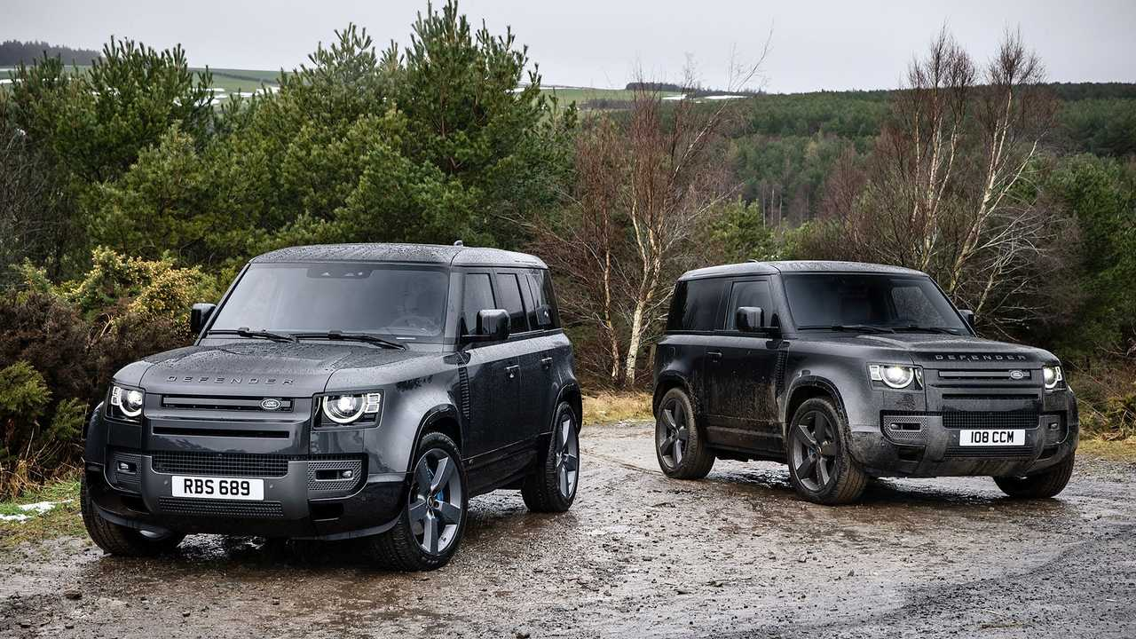 Land Rover Defender V8 90 and 110 in the rain.