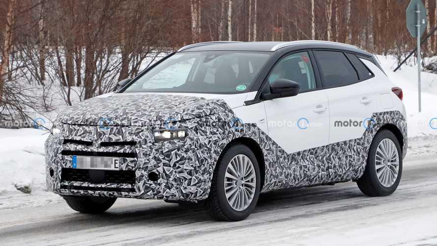 Opel Grandland X Facelift Spied With Mokka-Inspired Fascia