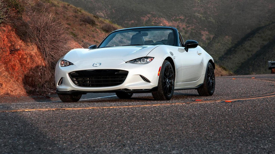 2016 Mazda MX-5 Miata Club shows up in New York with hardware upgrades