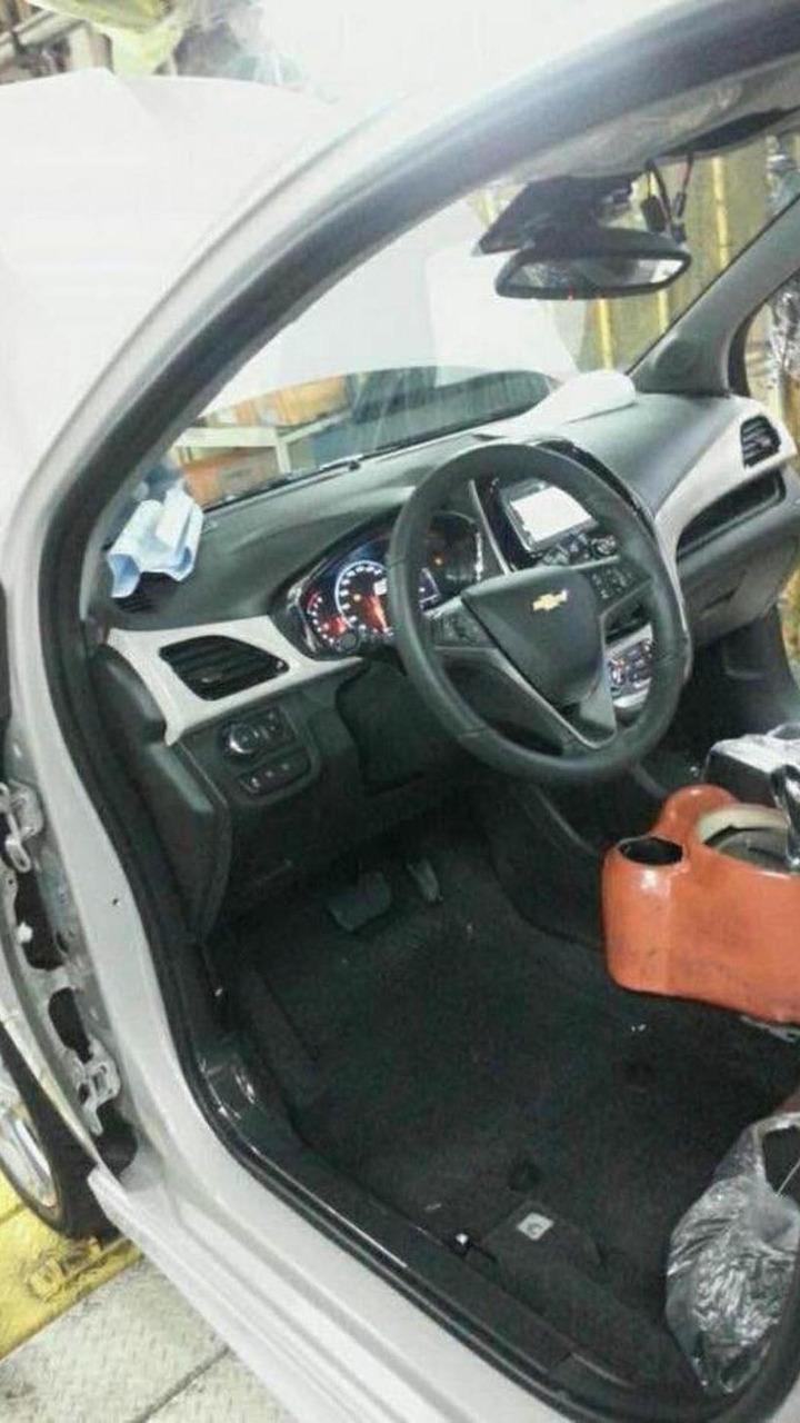 2016 Chevrolet Spark interior spy photo