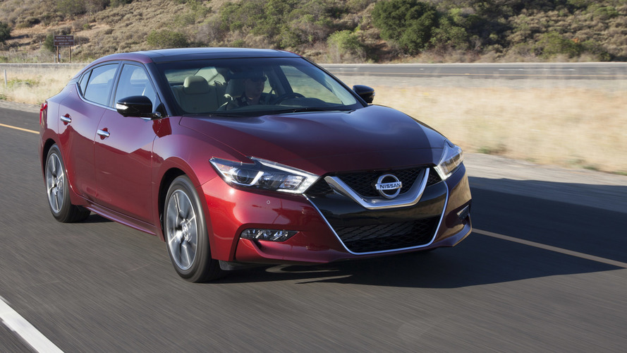 2017 Nissan Maxima gets standard Apple CarPlay, new option packs