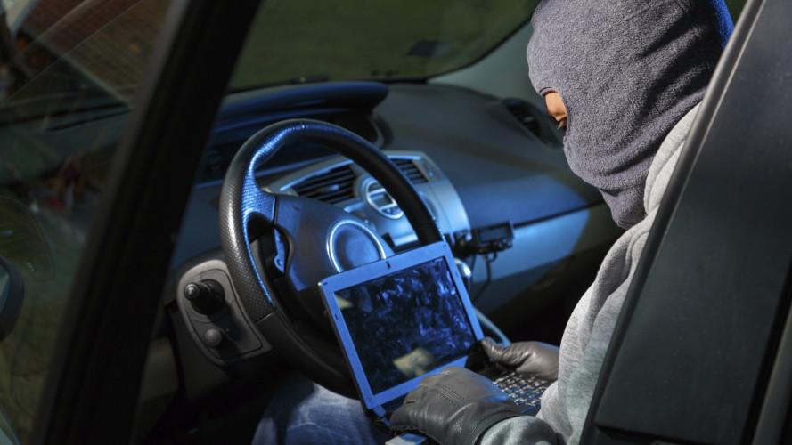 Minacce hacker all'auto, le previsioni per il 2018