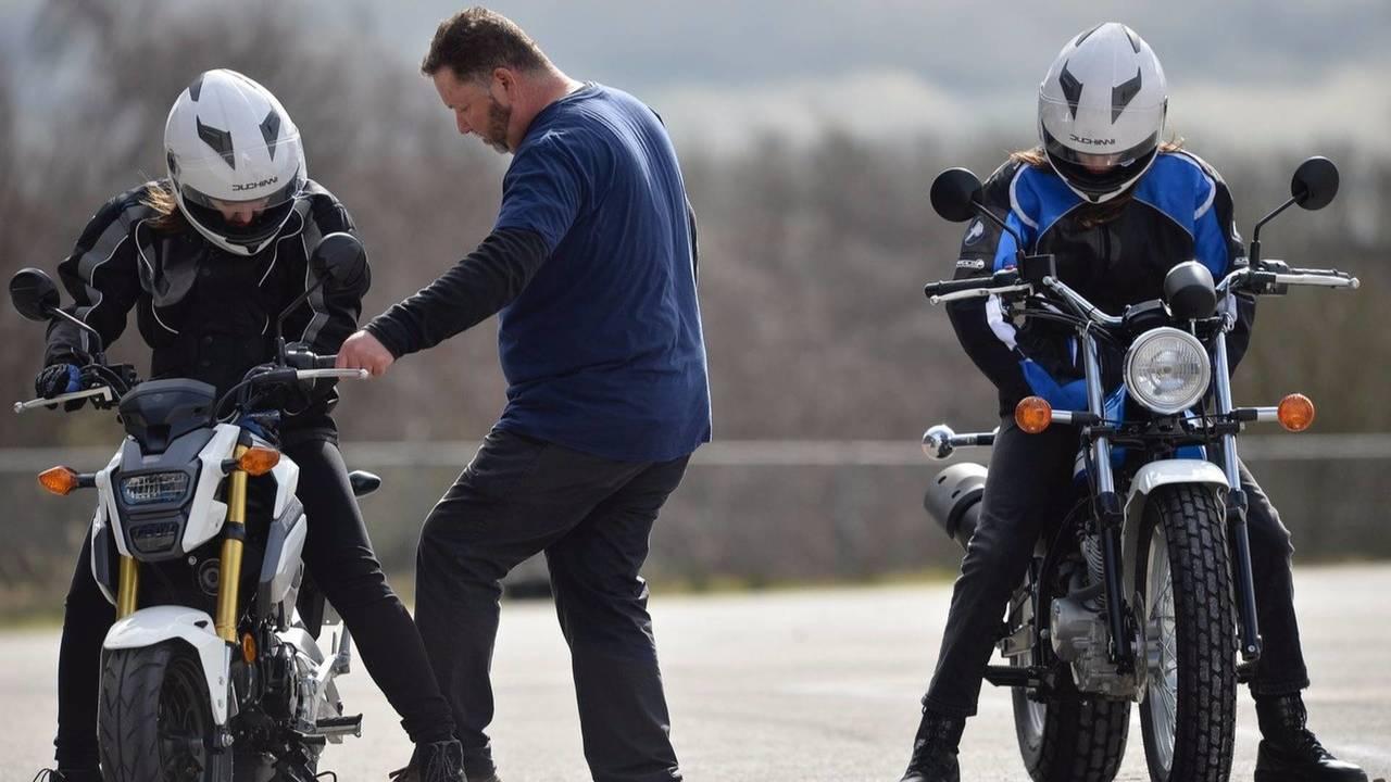 Mesure 15 - Protéger et responsabiliser les usagers de deux-roues motorisés