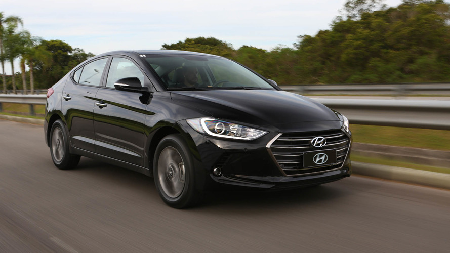 Volta rápida Hyundai Elantra 2017 - Siga o líder