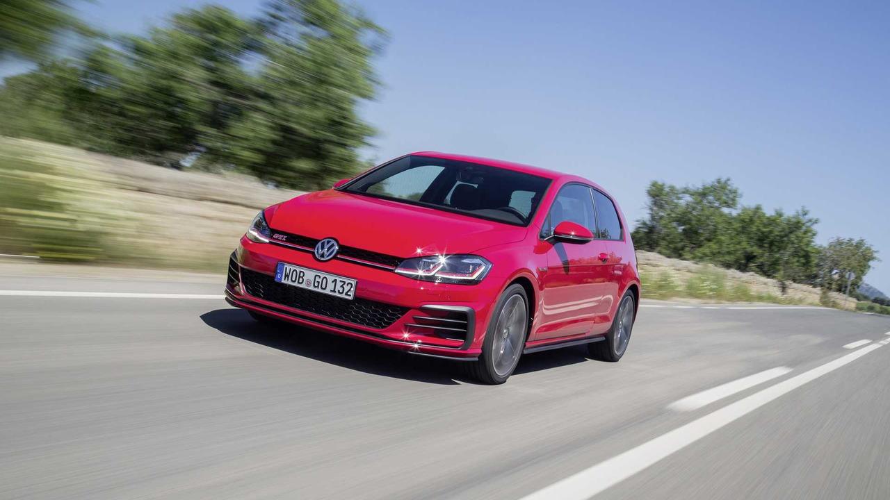 2017 Volkswagen Golf GTI Performance - 100 km za 26 minut: 230 km/h na nemeckej diaľnici so spotrebou 25 l!