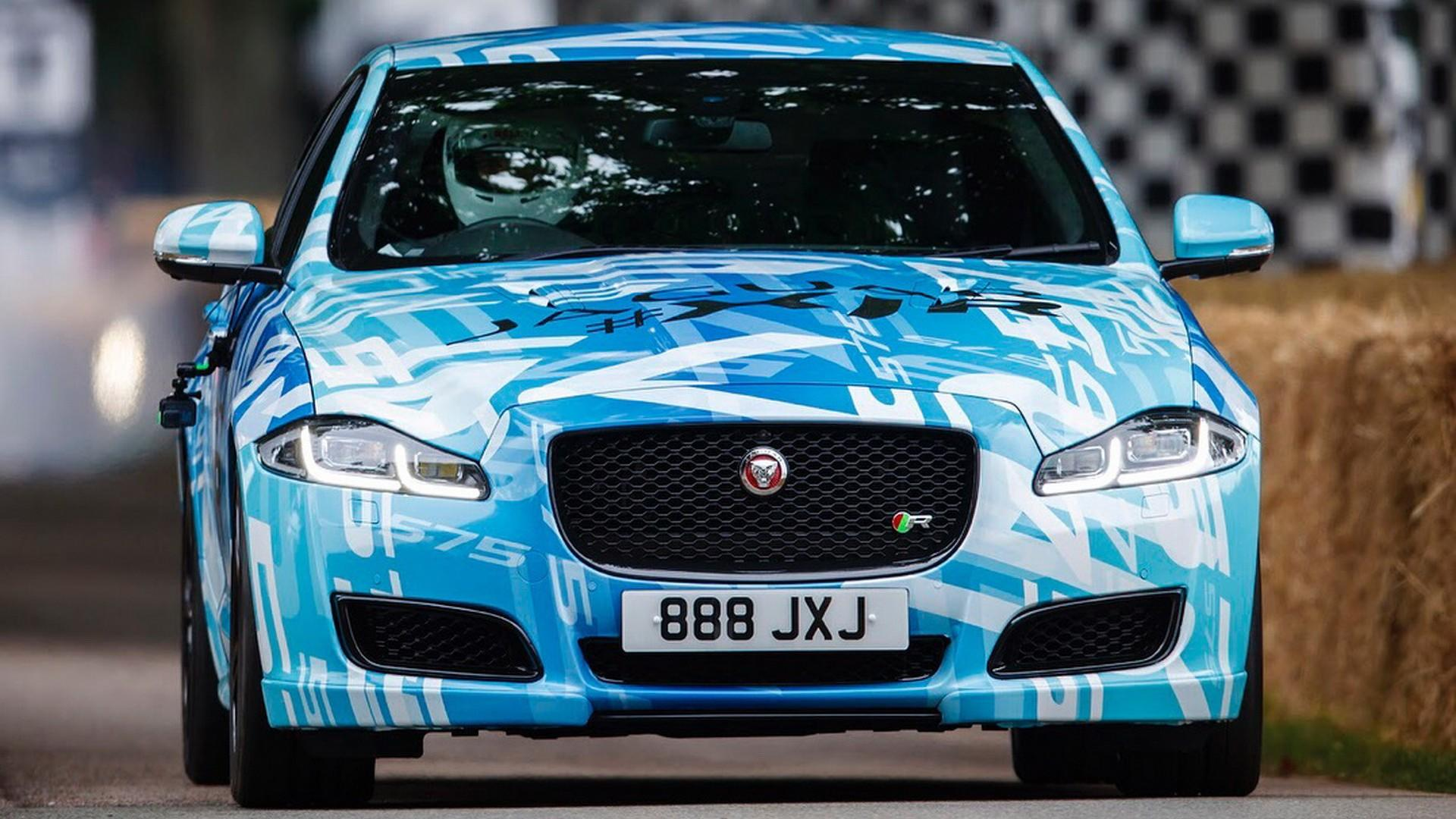 See The More Powerful Jaguar Xjr In Action Up Goodwood Hill Xj8 Fuel Filter Location