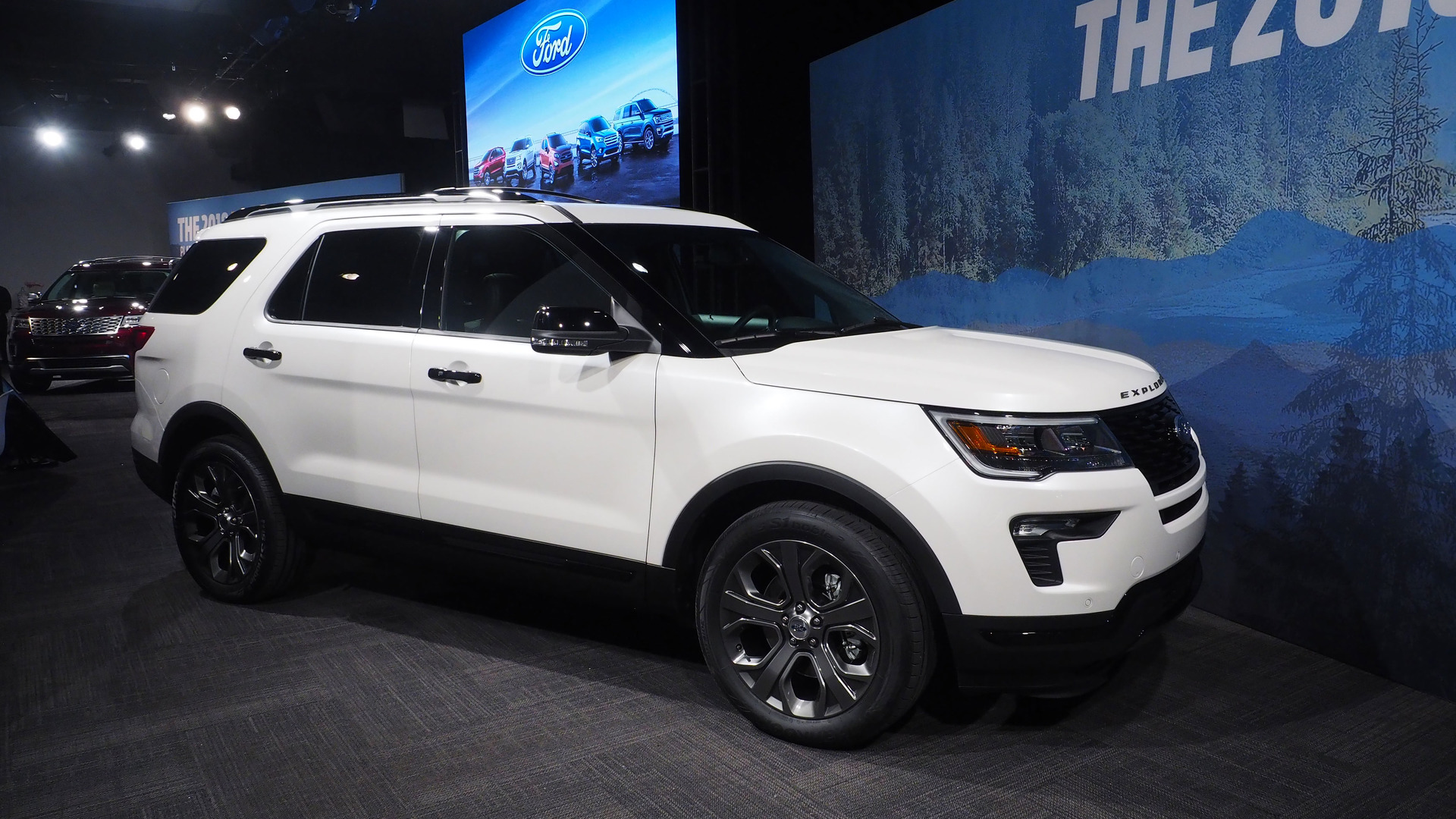 2018 ford explorer updates include more tech safety options