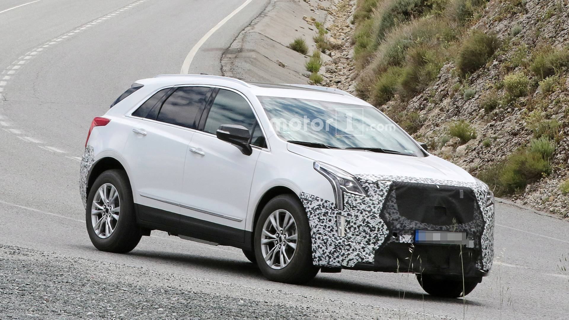 2020 Cadillac XT5: Refreshed, Changes, Release >> 2020 Cadillac Xt5 Spied With Little Camo In Europe