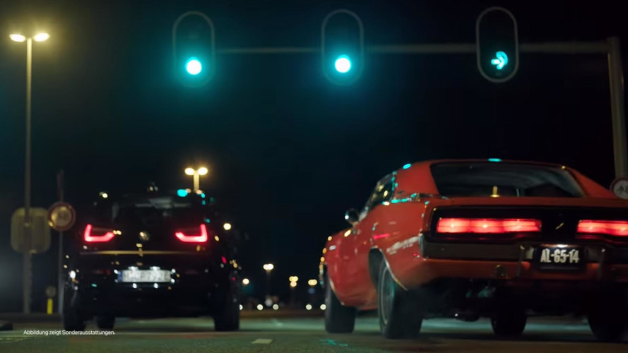 BMW i3S Drag Races Classic Dodge Charger