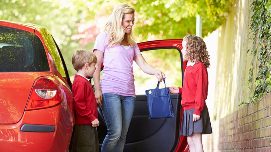 Quarter of parents leave cars idling outside the school gates