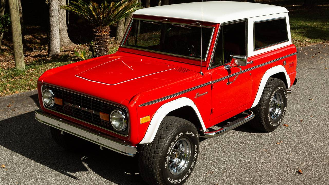 1974 Ford Bronco V8 4x4 – current bid at $36,000