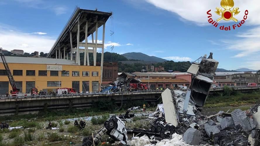 Ponte Morandi, si indaga per omicidio colposo stradale plurimo