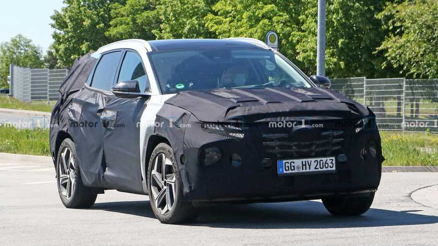 2021 Hyundai Tucson spied with a little less camouflage