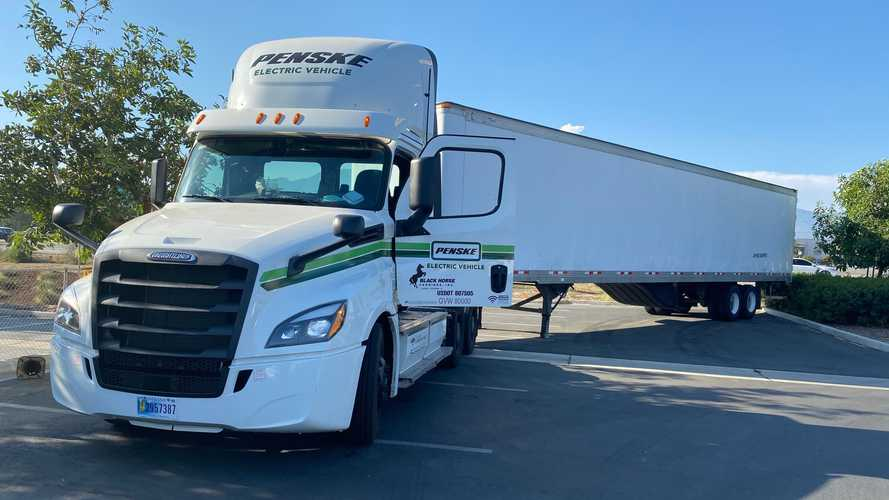 Penske Truck Leasing Opened 6th Truck Charging Station In California