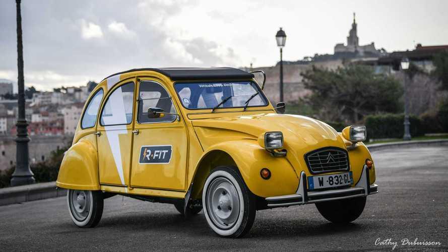 La Citroën 2CV voyage dans les temps et devient électrique
