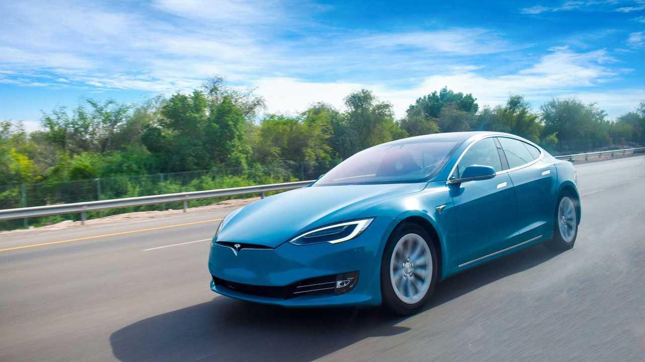 Tesla Model S sürüş