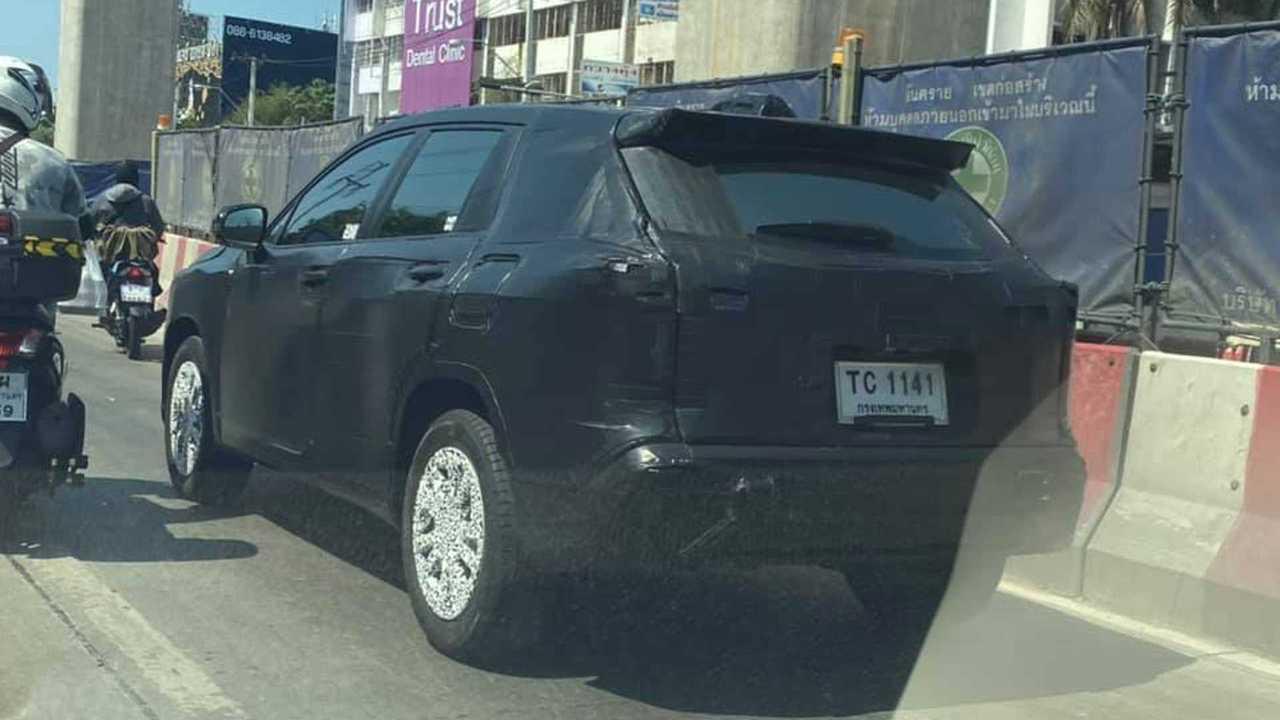 Toyota Corolla Cross İlk Casus Fotoğrafları