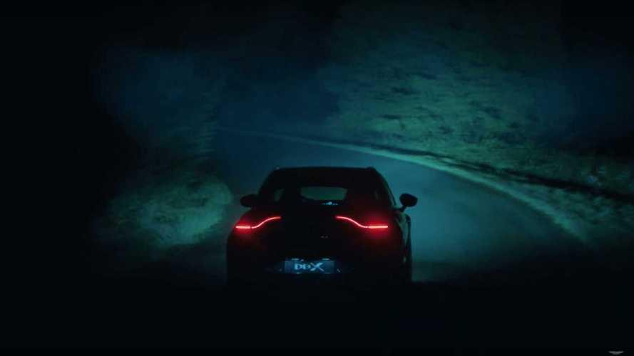 Aston Martin DBX научили ездить ночью