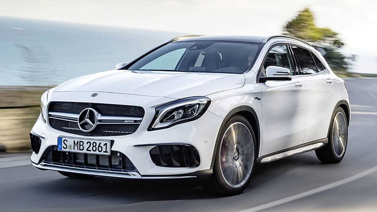 Mercedes GLA (4,52 Meter)