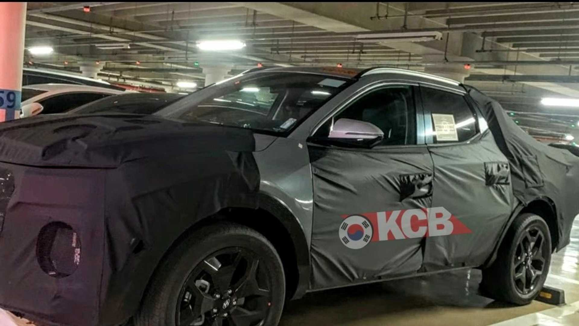 Hyundai Santa Cruz Pickup Truck Spied Almost Production-Ready