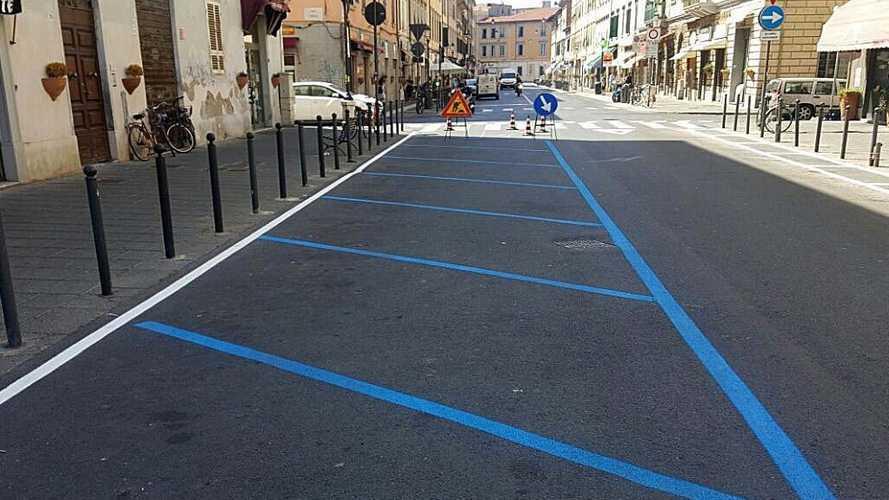 Roma, parcheggi gratis sulle strisce blu durante l'emergenza Coronavirus