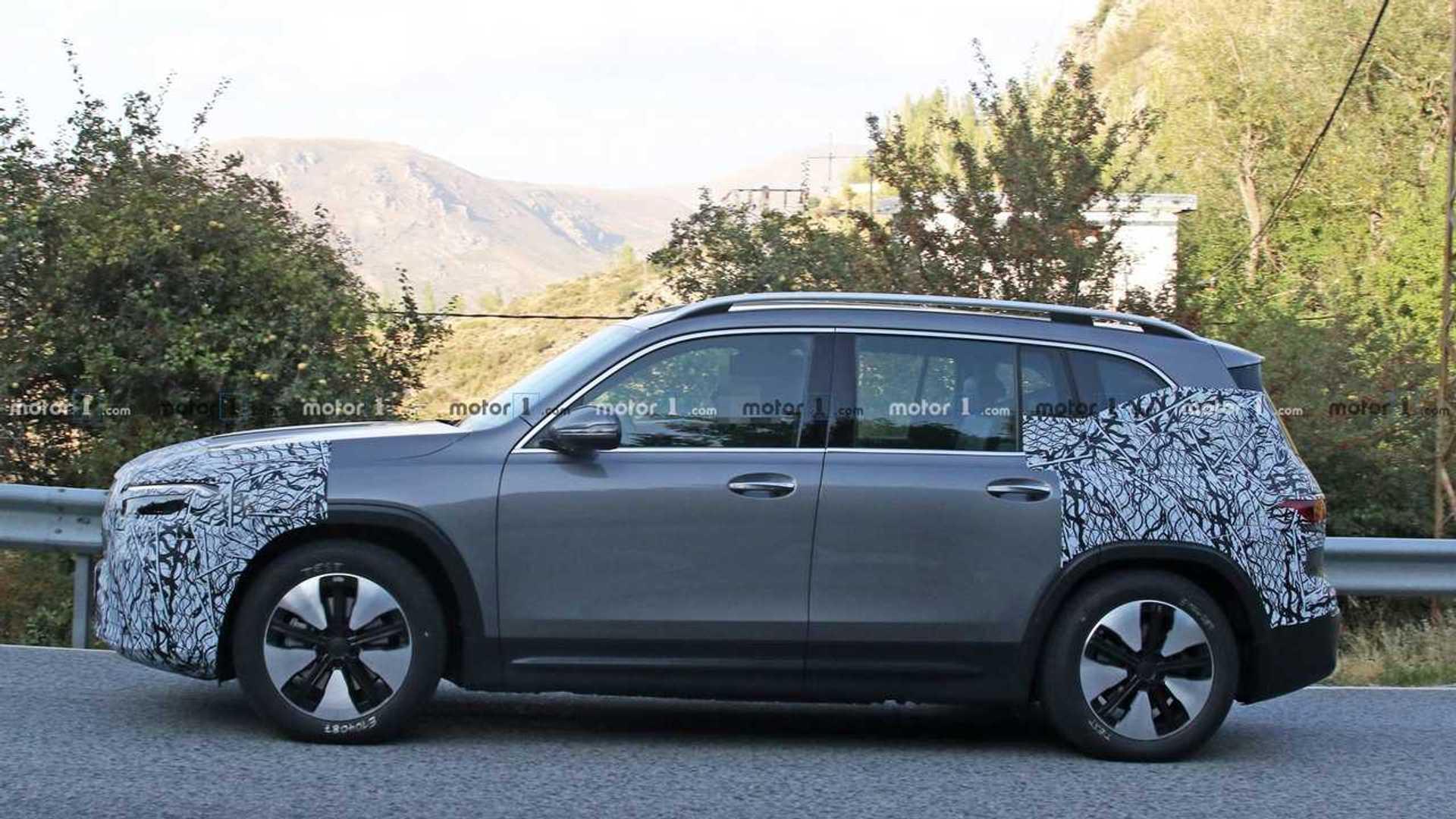 2021 - [Mercedes-Benz] EQB Mercedes-benz-eqb-spy-photo