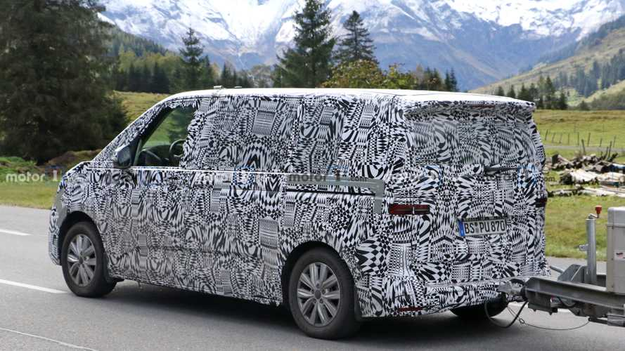 Volkswagen T7 Transporter Spy Photo