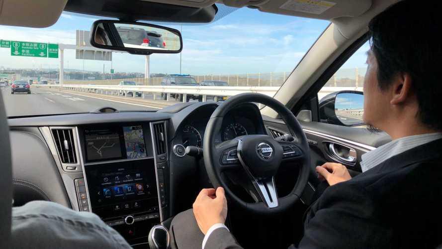 Vídeo: Nissan Skyline com ProPILOT 2, o carro que dirige sozinho