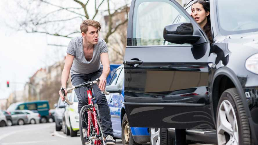 Drivers unaware of 'Dutch reach' despite Highway Code pledge