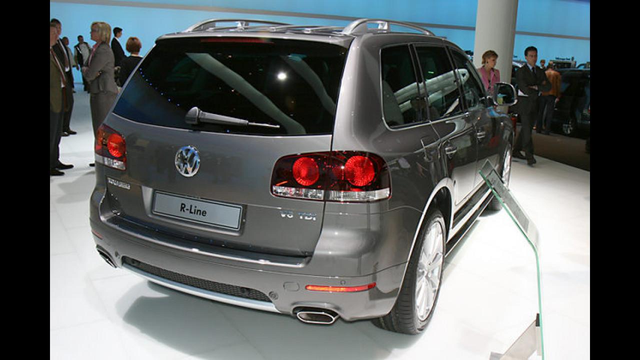 Der VW Touareg R-Line entsorgt seine Verbrennungsprodukte über diese Konstruktion