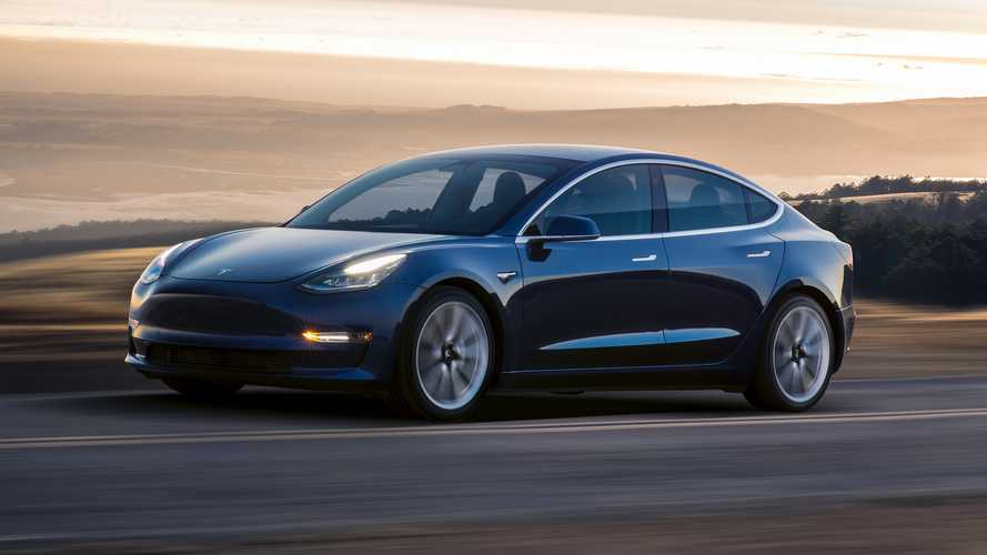 La Tesla Model 3 à 35'000 dollars est disponible