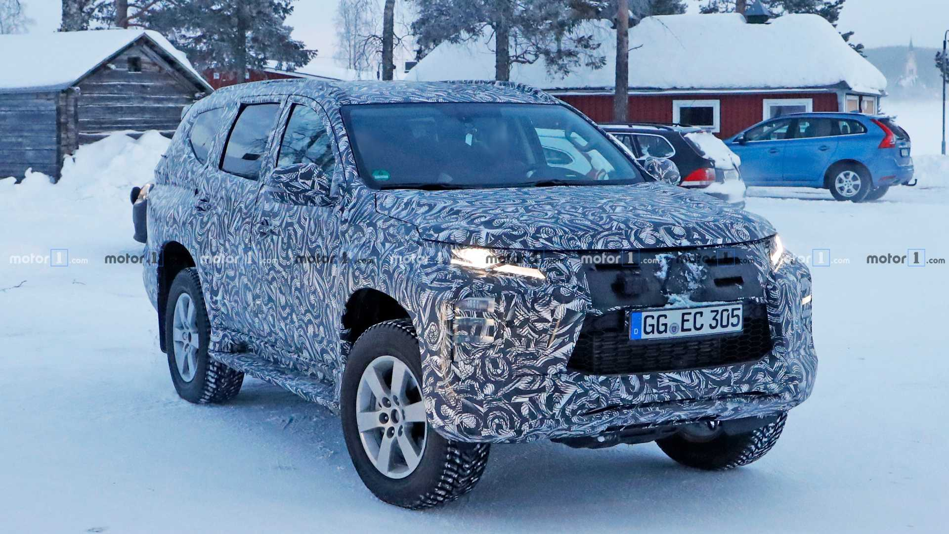 mitsubishi pajero sport facelift spied for the first time mitsubishi pajero sport facelift spied