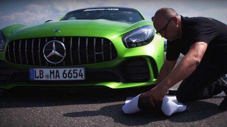 Vous pouvez acheter des sacs portant la trace de pneu d'une Mercedes-AMG