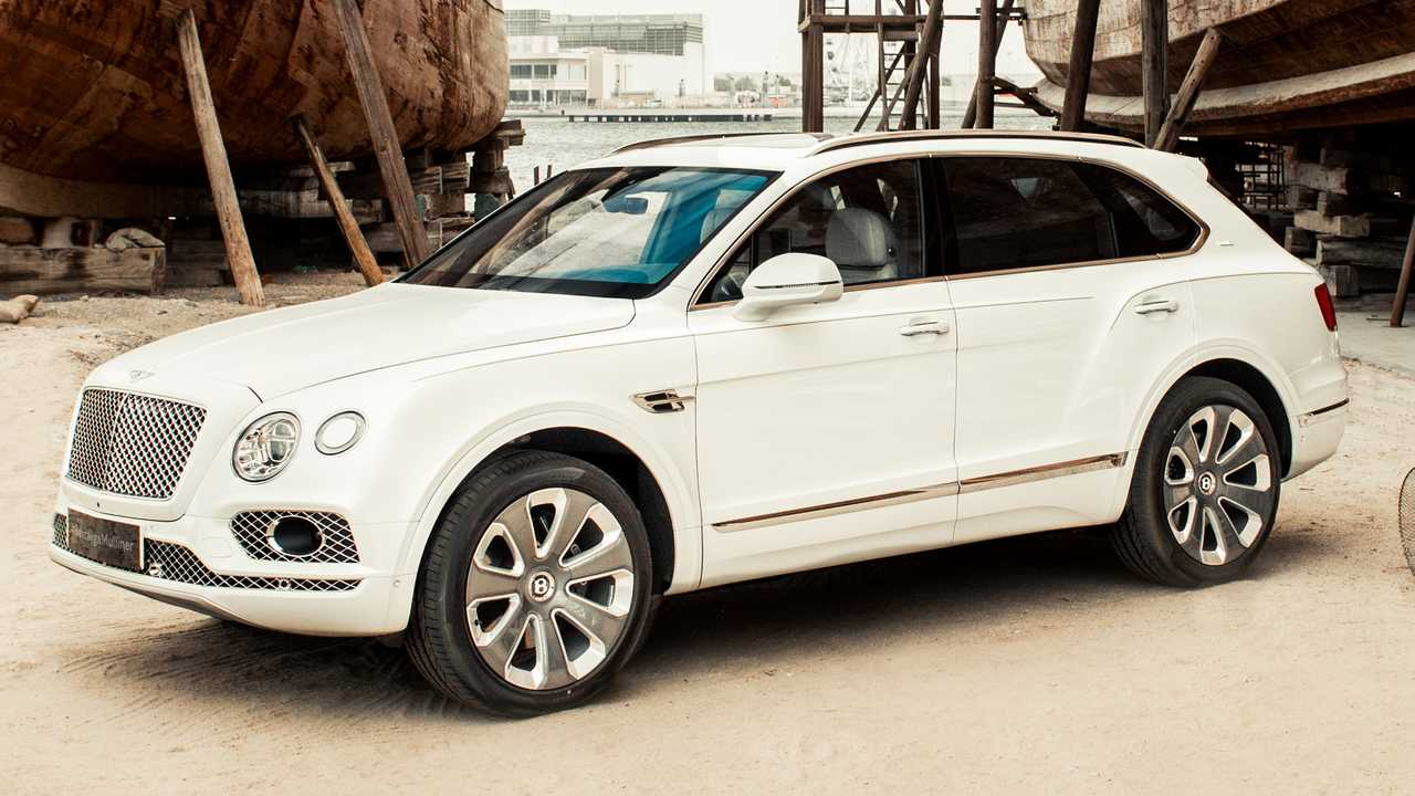 Bentley Bentayga Mulliner Pearl of the Gulf