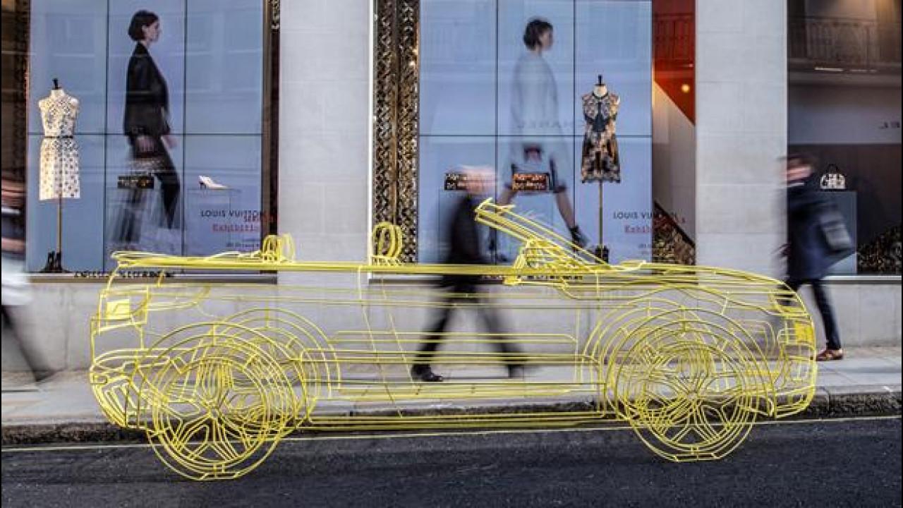 [Copertina] - Range Rover Evoque Convertible, a Londra c'è già… come scultura