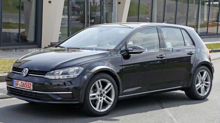 What exactly is Volkswagen testing with this Golf mule?
