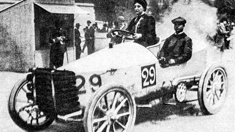 12 fotos históricas del mundo del automóvil