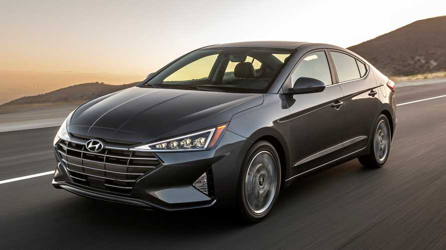 2020 Hyundai Elantra Drops Manual, Gains More Standard Features