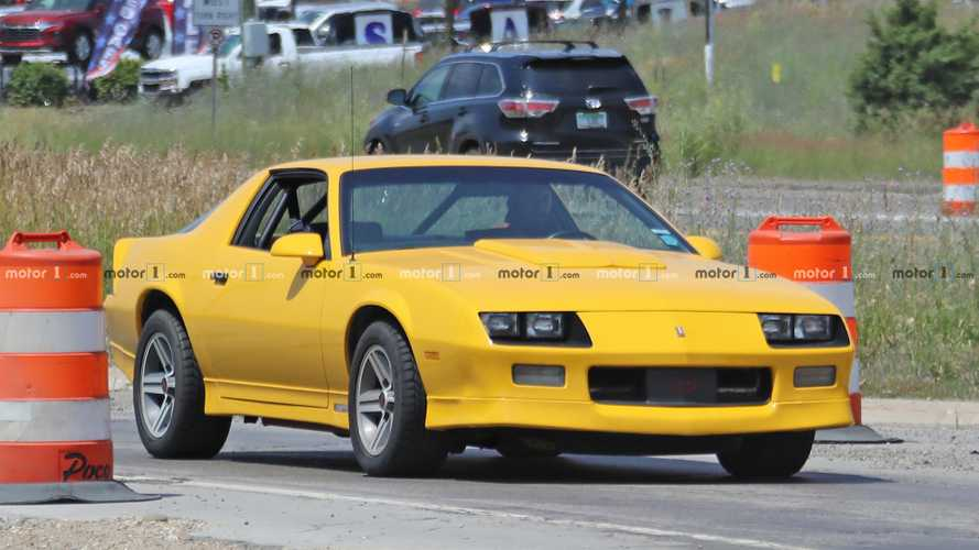 Third-generation Chevy Camaro spy photos