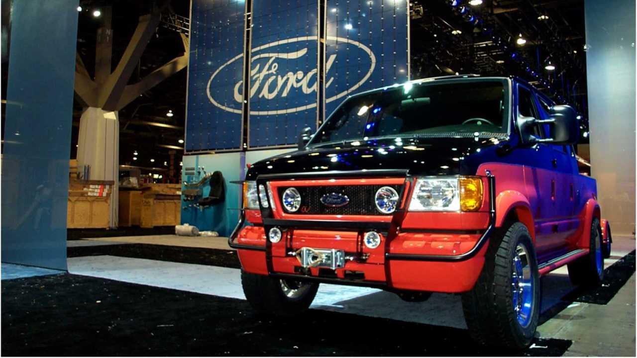 Ex-SEMA 2003 Ford E-350 Custom 4x4 Pickup