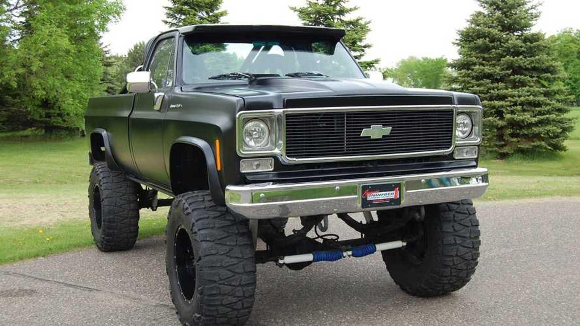 "[""CFS: 1974 Chevrolet K20 Pickup Restomod""]"