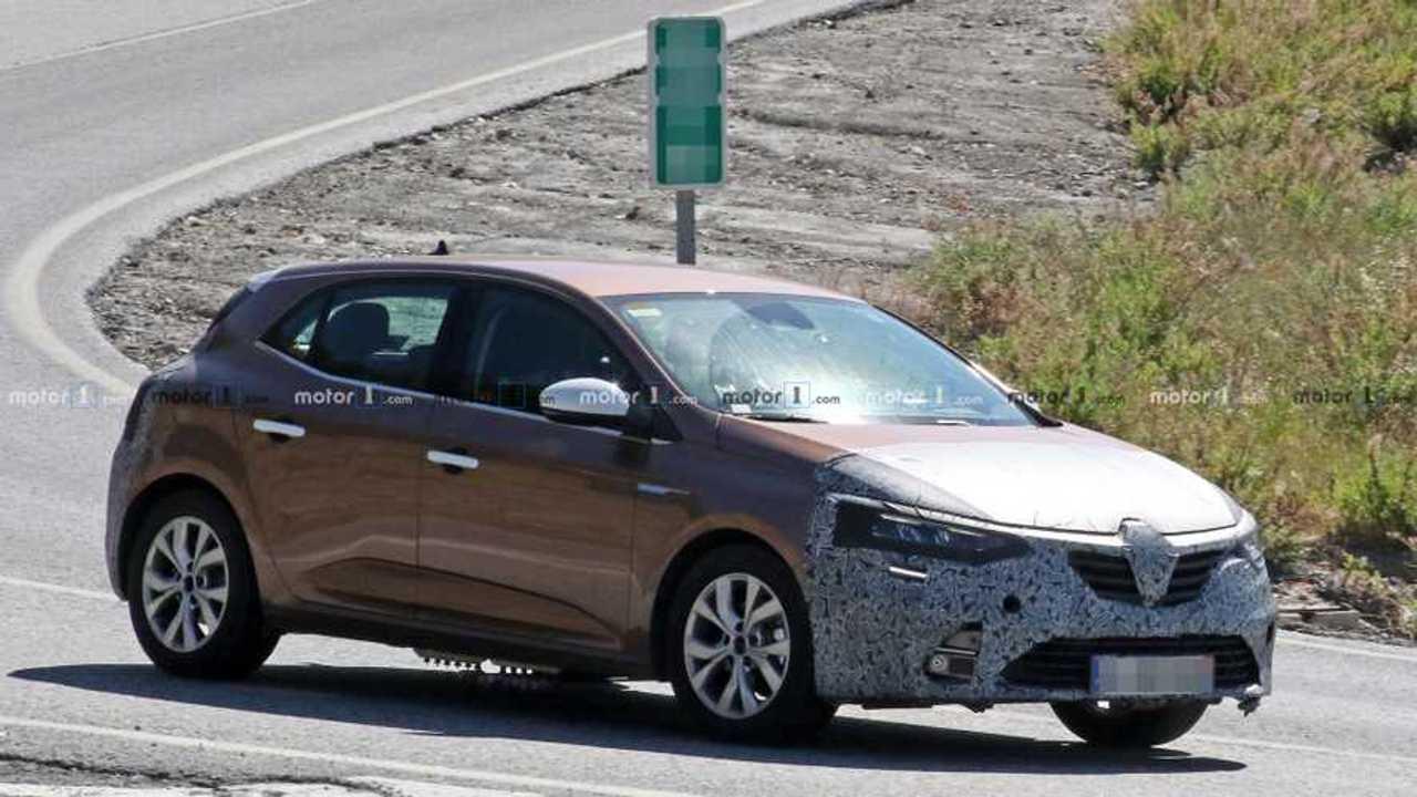 Renault Mégane facelift nouvelle photo espion