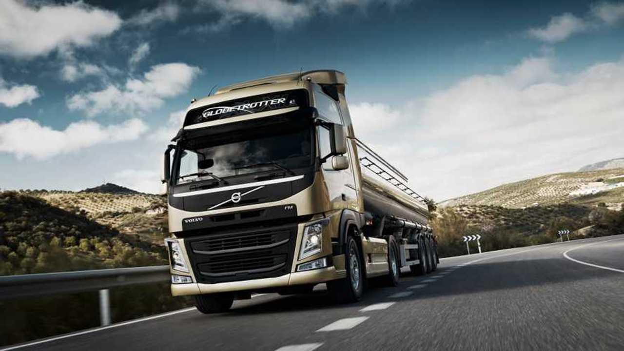 Volvo Trucks migliora il motore D13