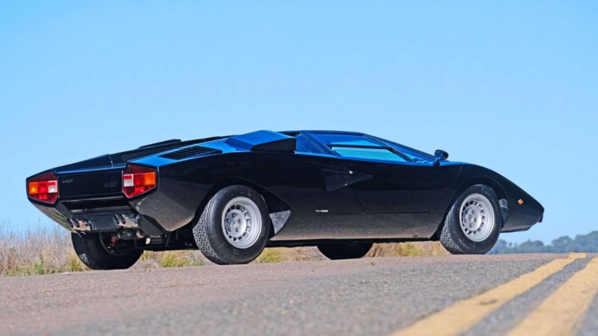 "[""Live Out Loud With A 1976 Lamborghini Countach LP400 Periscopio""]"