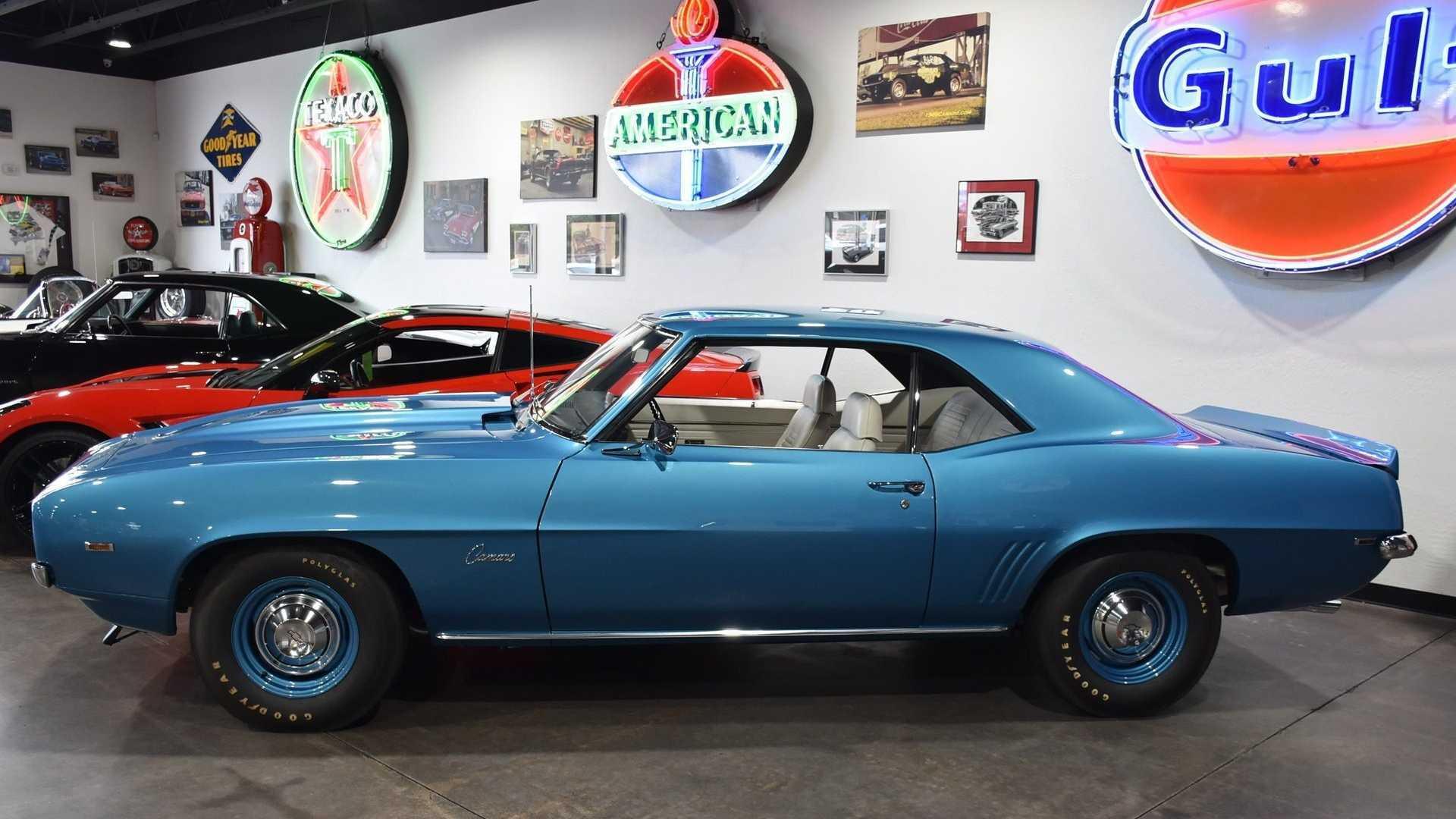 "[""1969 Chevrolet Camaro COPO 427""]"