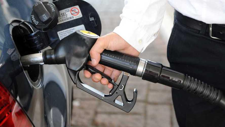 Россиян пообещали спасти от подорожания бензина