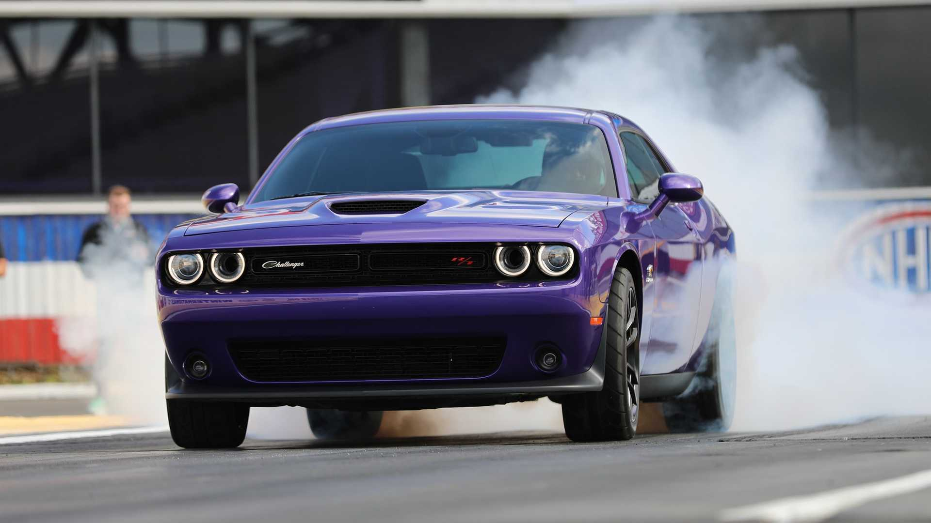 "Dodge Challenger получил дрэговый набор R/T Scat Pack ""Angry Bee"""