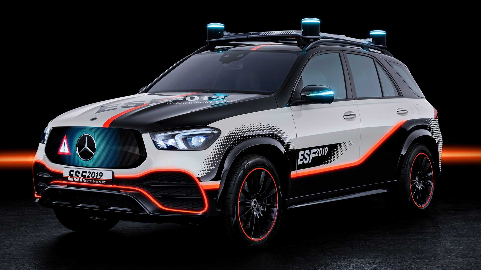 Mercedes Debuts Semi-Autonomous Experimental Safety Vehicle