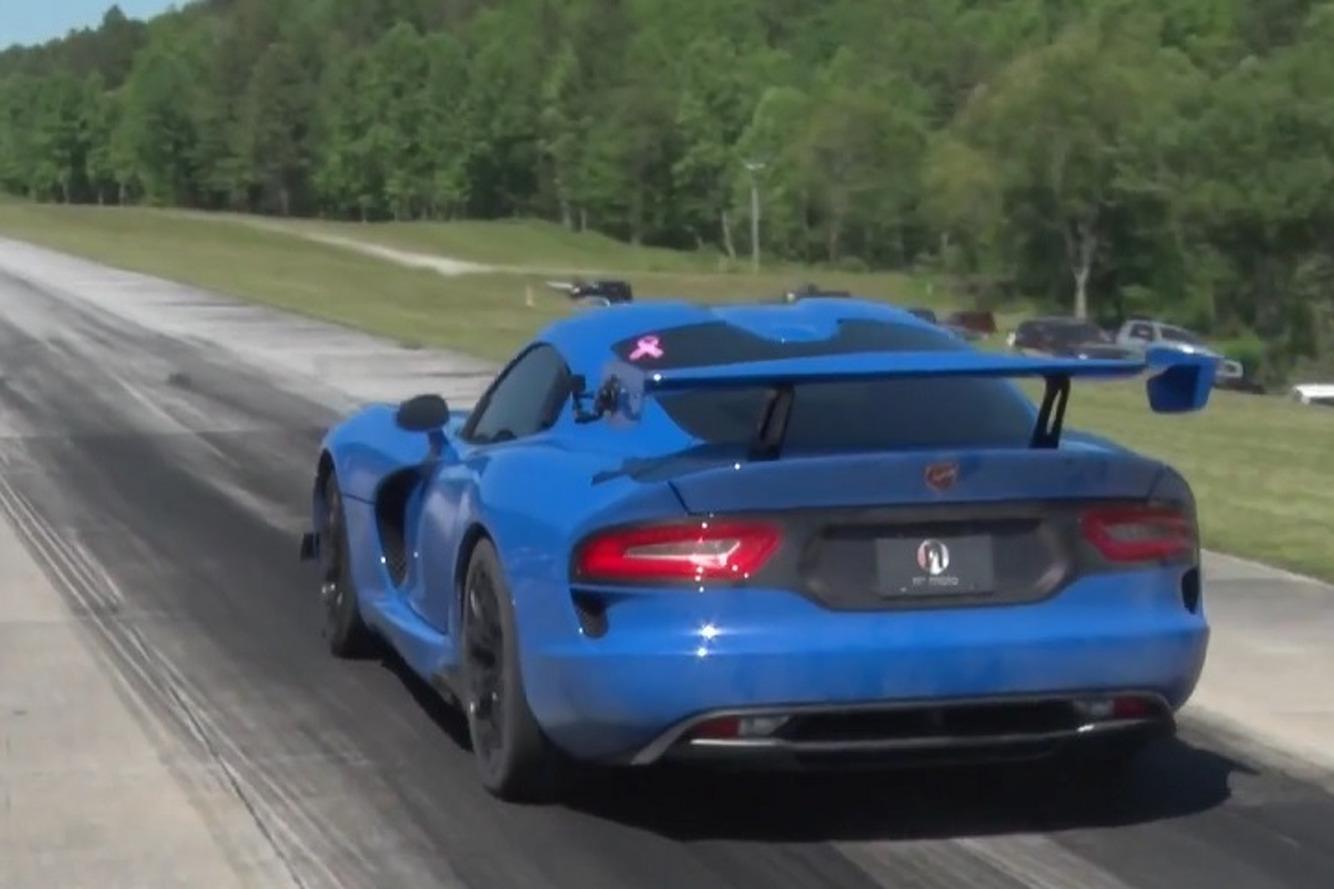 Watch a 1,500-HP Dodge Viper SRT Set a Half-Mile Speed Record