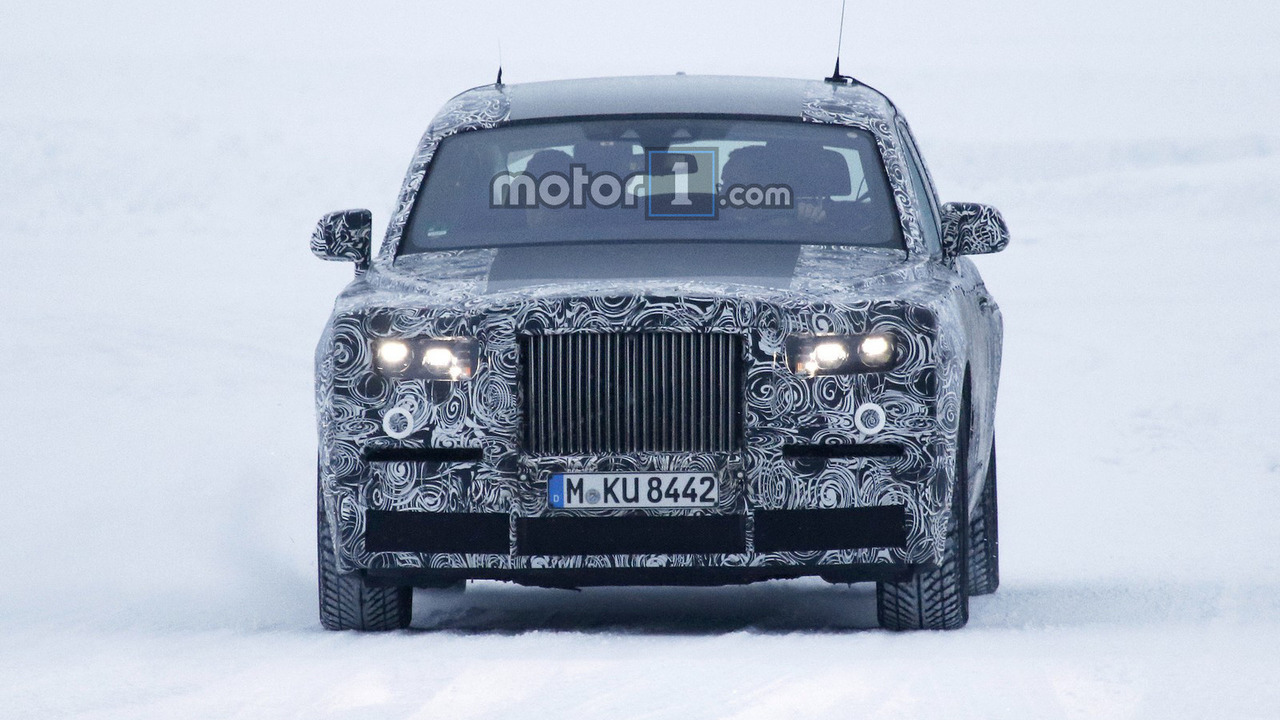 Rolls-Royce Phantom spy photo